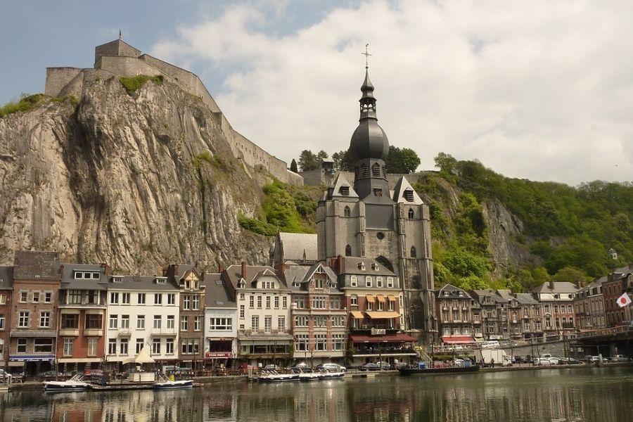 Dinant Belgio
