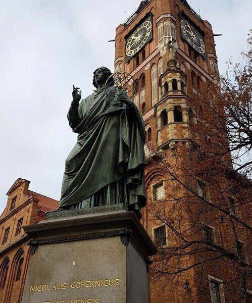 Nicolaus Copernicus statue