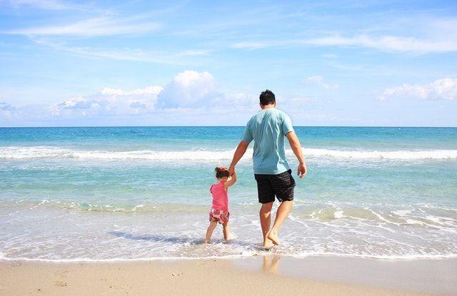 Vater und Kind im Urlaub