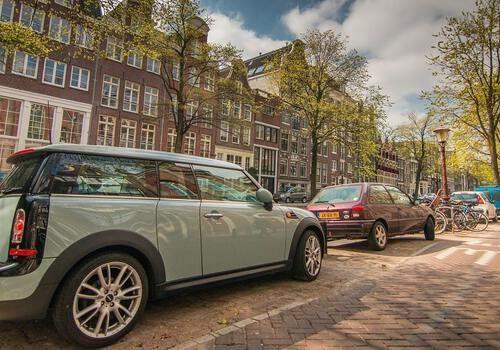 Auto geparkeerd Amsterdam
