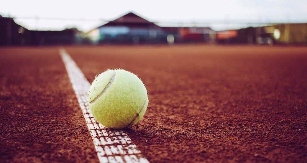 Balle tennis terrain