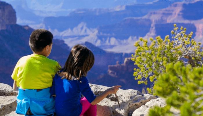 Kinderen op een berg