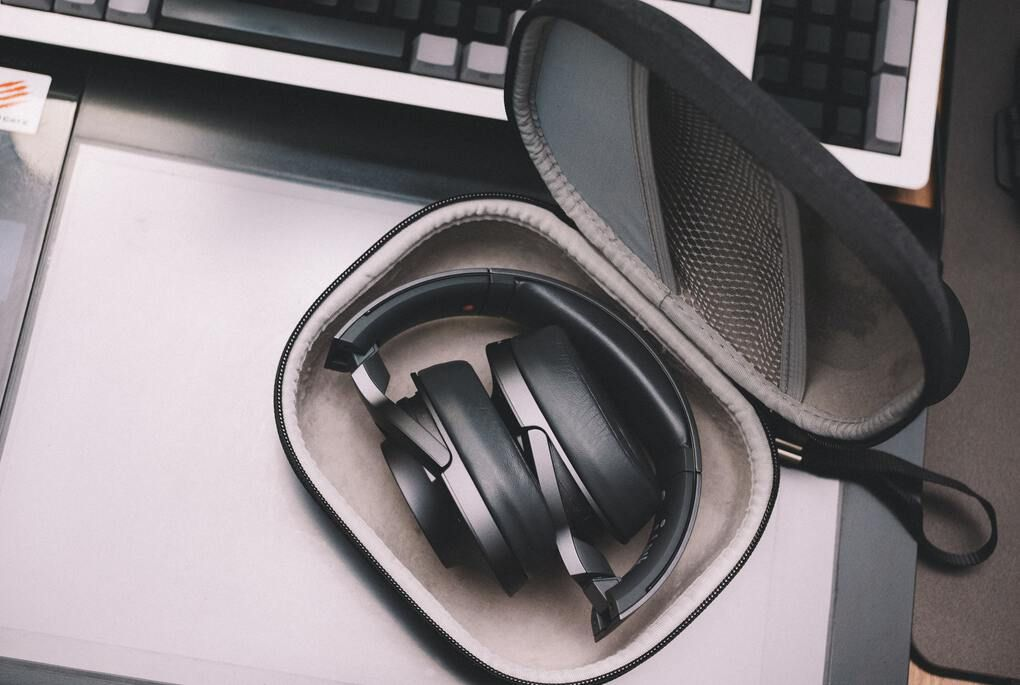 Black cordless noise canceling headphones