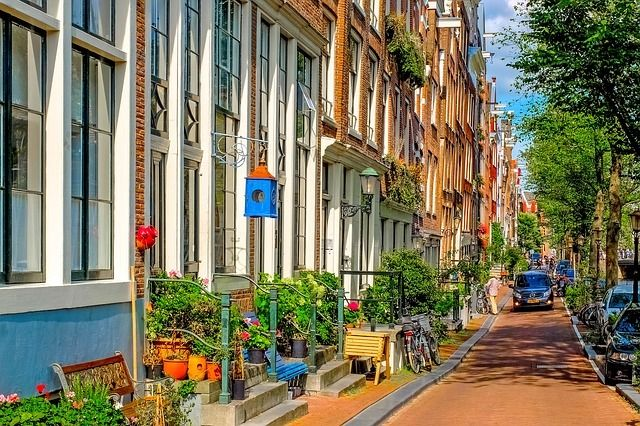Explore the streets of the Jordaan