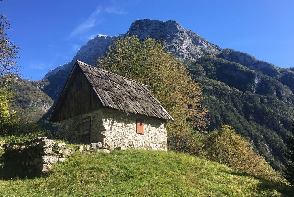 A cottage on the Juliana, near the village Log pod Mangartom