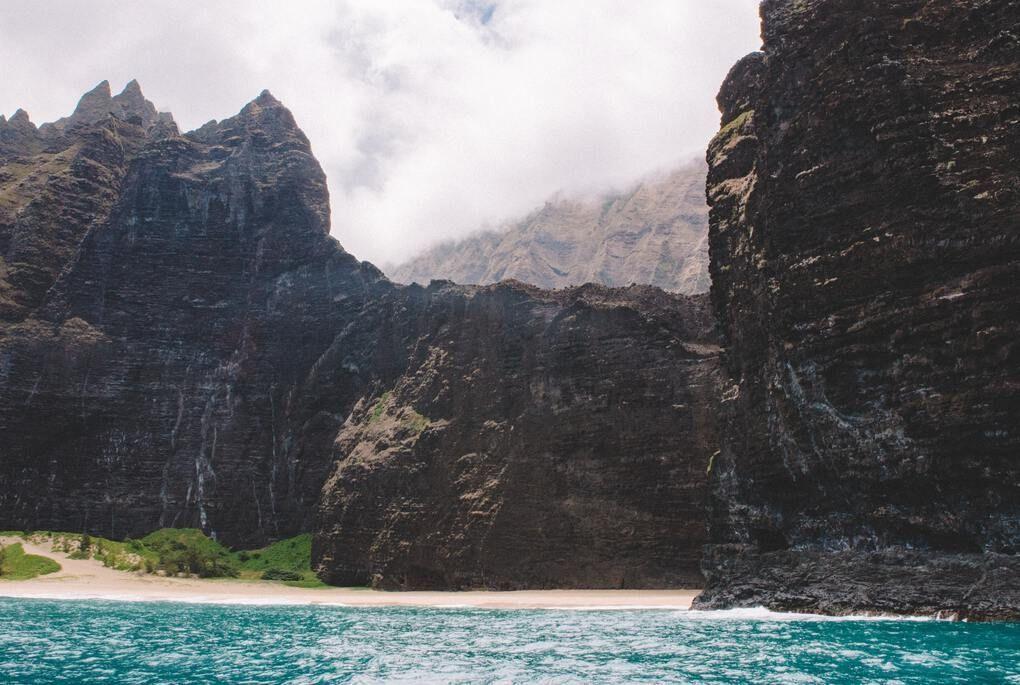 Isolated beach on Na Pali coast in Kauai