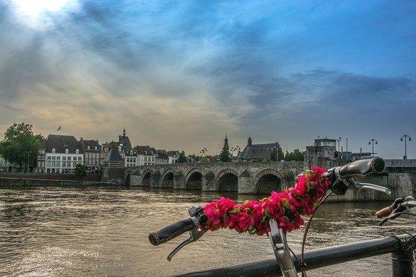 Maastricht rivier en brug