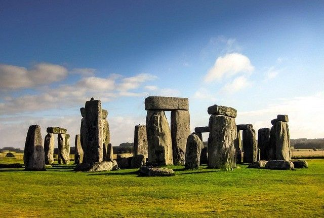 Visit Stonehenge on your cycle tour