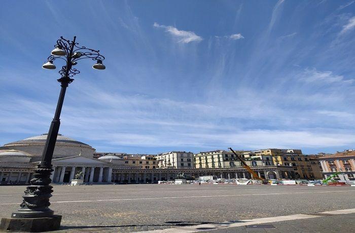 napoli piazza blebiscito