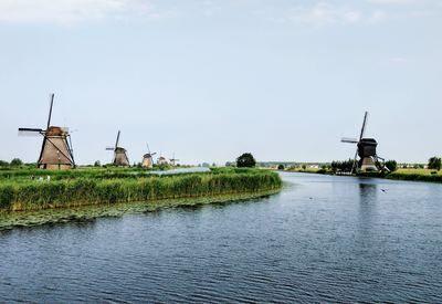 Niederlande, Mühlen und Fluss