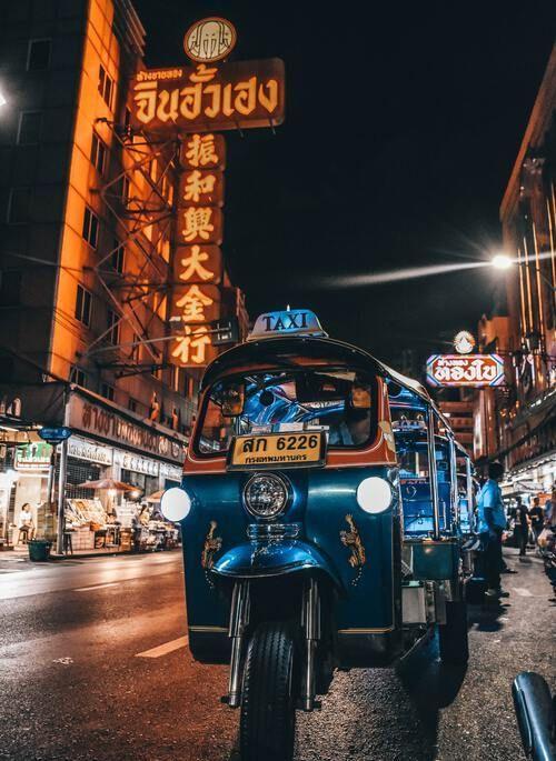 night ride in a tuk-tuk through Bangkok