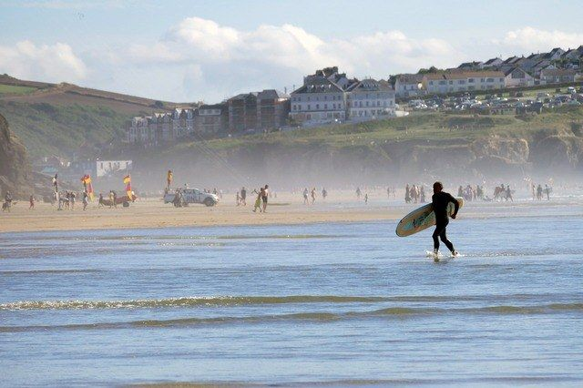 Try Surfing in Cornwall