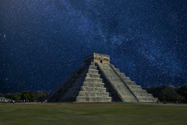 Chitzen Itza piramide van Kukulcán