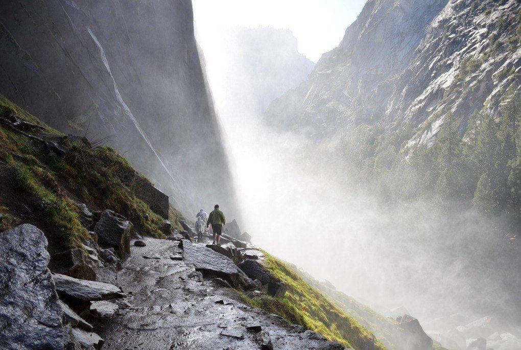 Hking in Yosemite